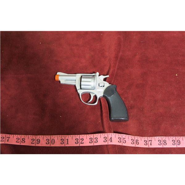 Metallic cap pistol