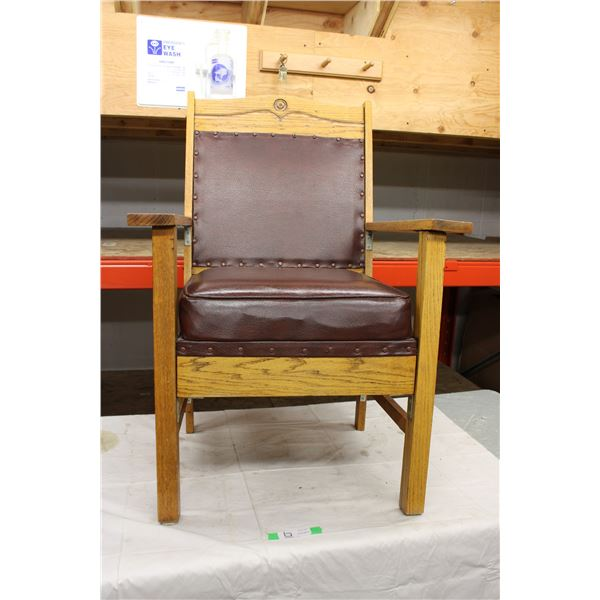 Wooden Chair with Armrests and Leather Cushions