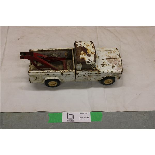 Tonka Toy Tow Truck