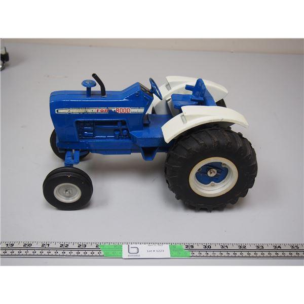 "Ertl Ford 8000 Tractor (loose wheel) 12 3/4"" long"