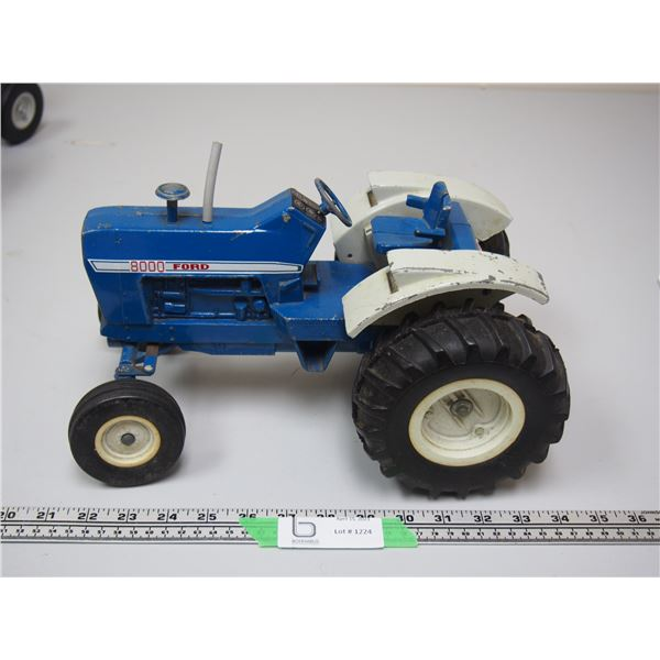 """Ertl Ford 8000 Tractor (12 3/4"""" long)"""