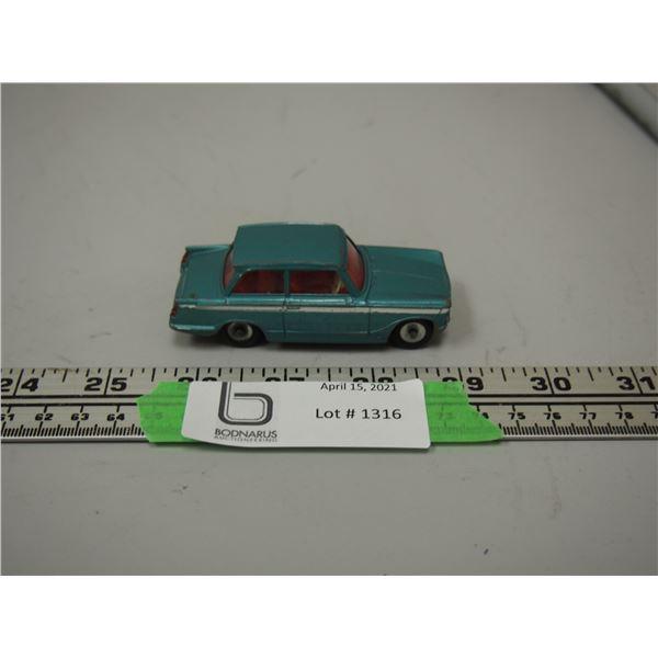 "(Rare?) Dinky Toy Triumph Vitesse 134 (3 1/4"" long)"
