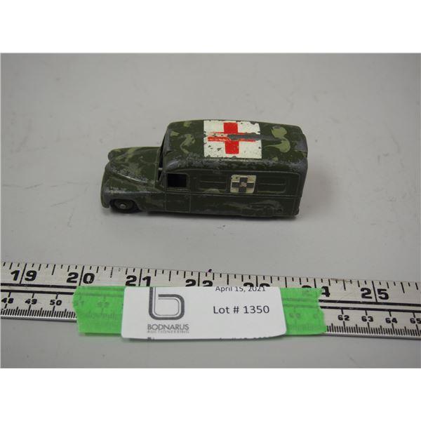 """Dinky Toy Daimler Ambulance (3 3/4"""" long)"""