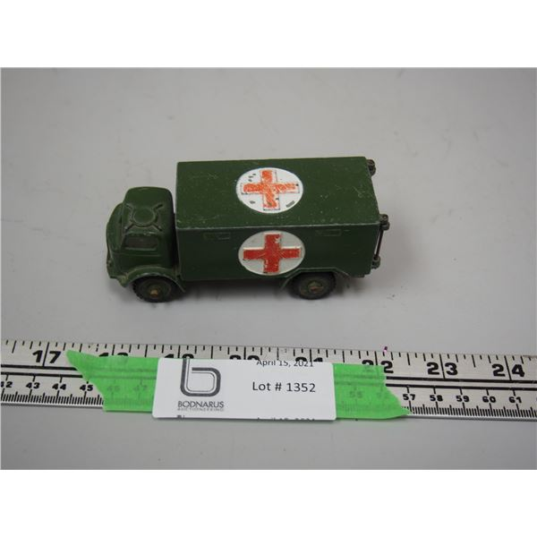 """Dinky Toy Military Ambulance (4"""" long)"""