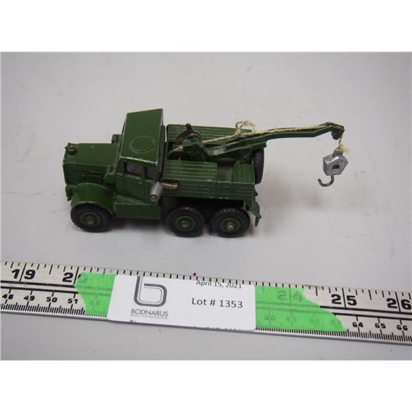 """Dinky Toy Recovery Tractor (4"""" long)"""