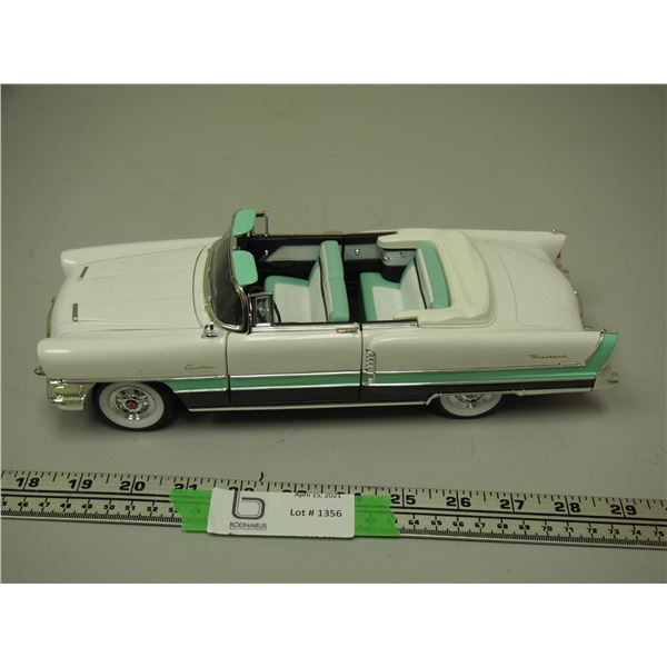 Road Signature 1955 Caribbean Packard 1/18 Scale