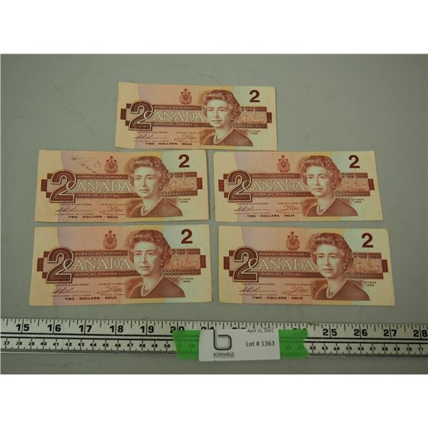1986 Two Dollar Canadian Bills (5) Circulated