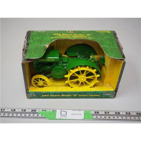 Ertl Die Cast Metal John Deere Model D Tractor (NIB)