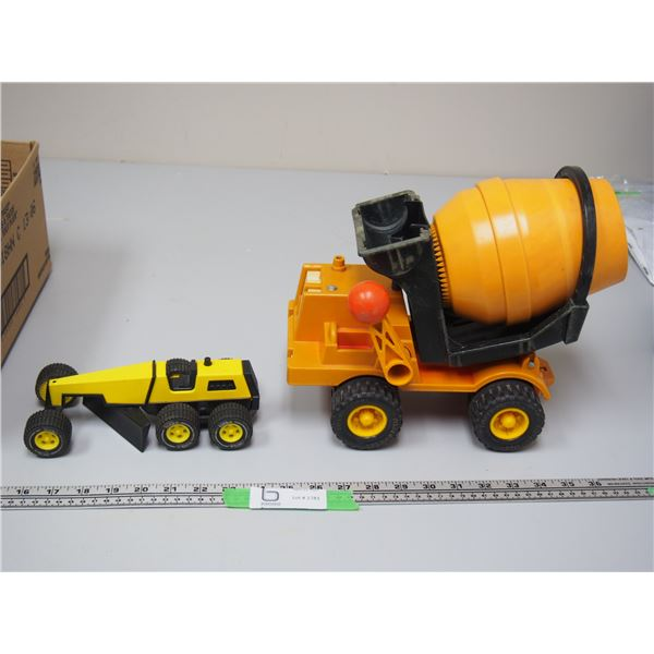 Fisher Price Cement Truck Everything Working plus Small Tonka Grader