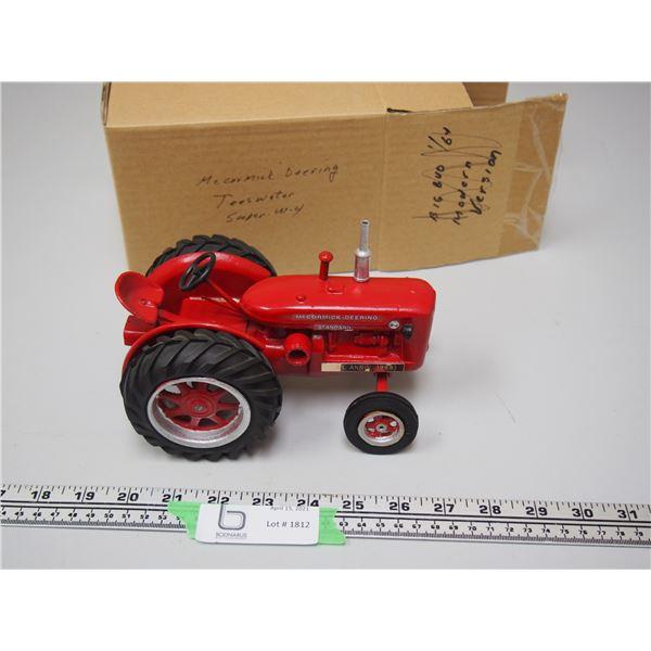 McCormick Deening Super W-4 Standard Teeswater Custom Tractor 1st Ann 1998 Tractor Classes 1/16...