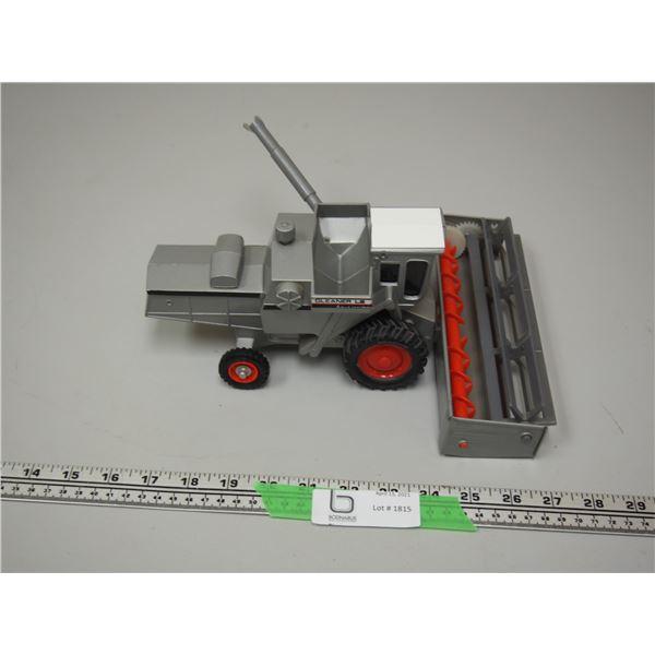 "Ertl Gleaner Allis Chalmers L2 Combine (11"" long)"