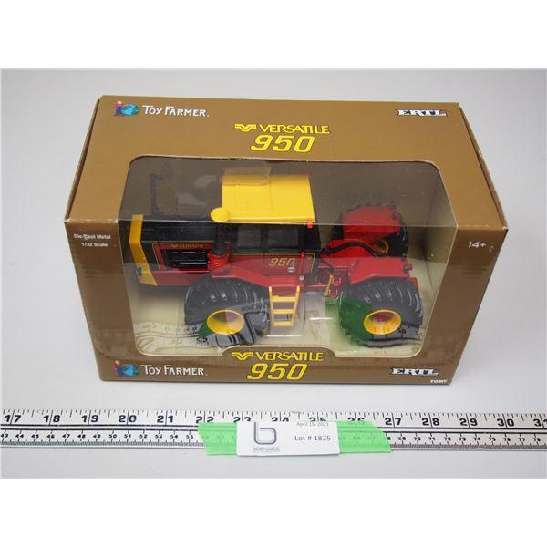 Ertl Toy Farmer Versatile 950 Tractor 1/32 (NIB)