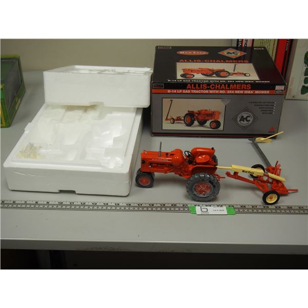 SpecCast Allis Chalmers D-14 LP Gas Tractor with New Idea Mower 1/16 (NIB)