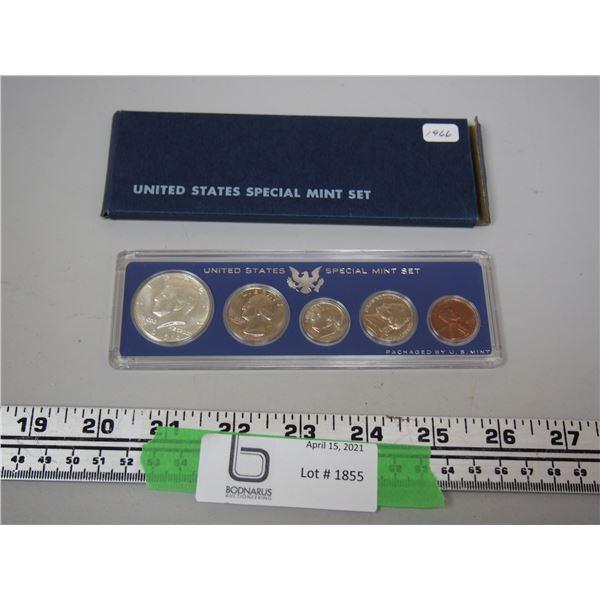 U.S Special Mint Set 1966 In Case