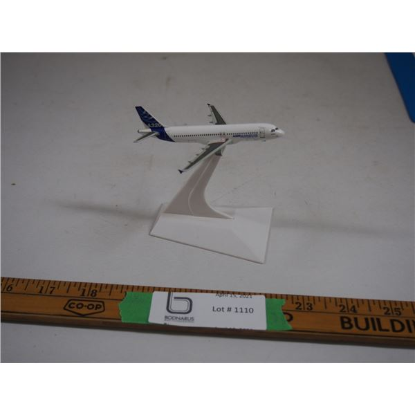 "A320 Airbus (Test Plane?) On Stand (3 3/4"" x 3 3/4"")"