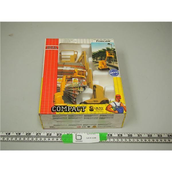 Joal Compact Grove Manlift (NIB) 1/25 Scale