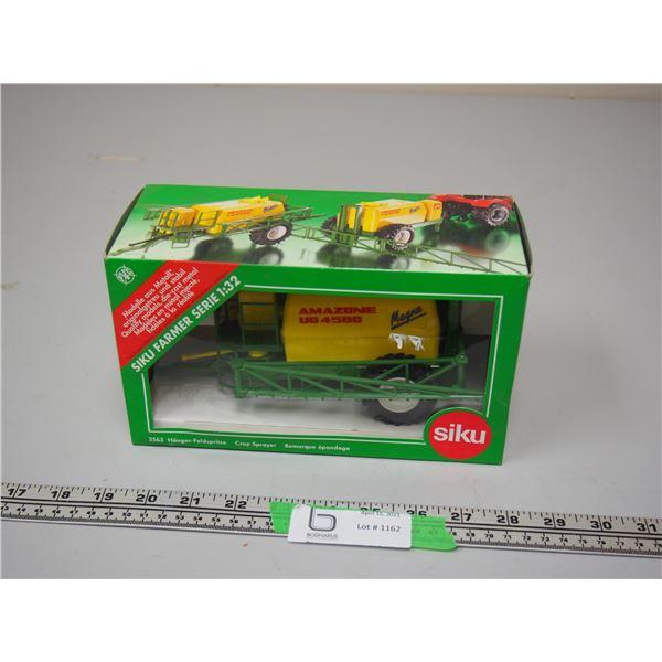 Siku 2563 Crop Sprayer (NIB) 1/32 Scale