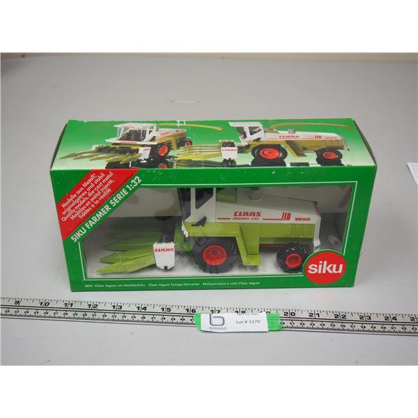 Siku CLAAS Jaguar Forage Harvester with Corn Header 1/32 Scale (NIB)