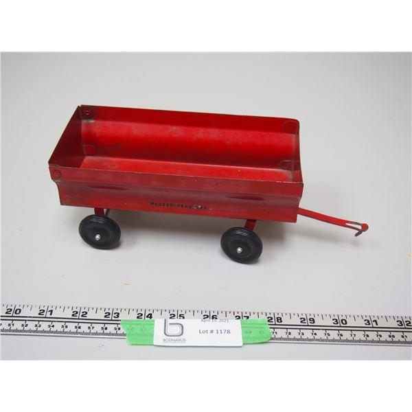 "Ertl Metal Wagon Box (Box is 8"" Long)"