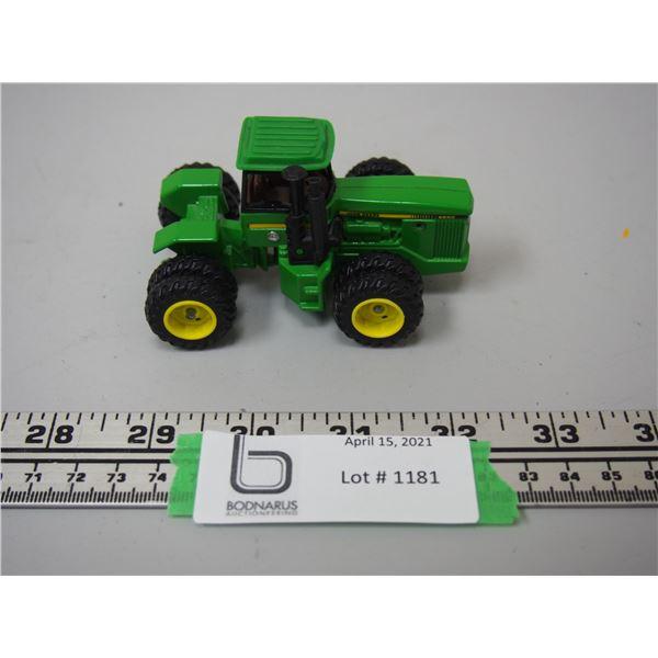 "Rare? Ertl John Deere 8850 4WD Toy Tractor (3.5"" Long)"