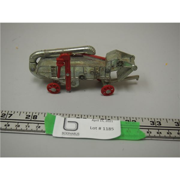 "JLE Metal and Plastic Toy Threshing Machine (4 3/4"" Long)"