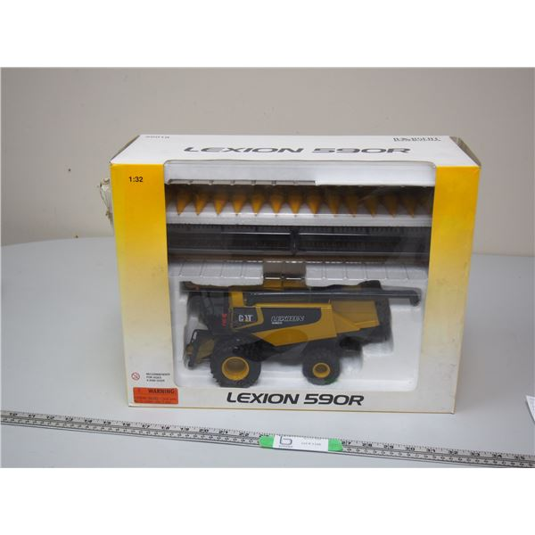 Norscot Scale Models Lexion 590 R Combine with 2 Headers (NIB) Box is Damaged