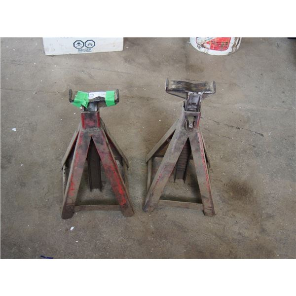"""2 Jack Stands (Stand 15"""" T)"""
