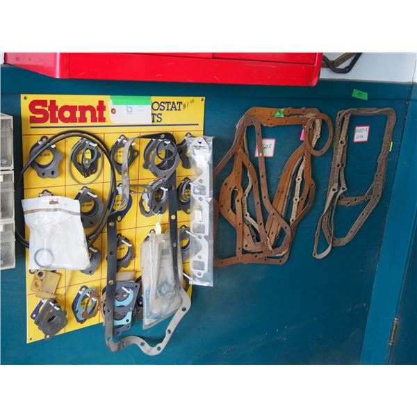 Stant Thermostat Gasket Display Rack with Gaskets and 3 Other Small Wire Racks