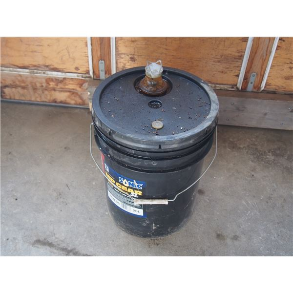 Sonic Synthetic 75W90 MP Gear 5L Oil 20Oil Pail About 3/4 Full