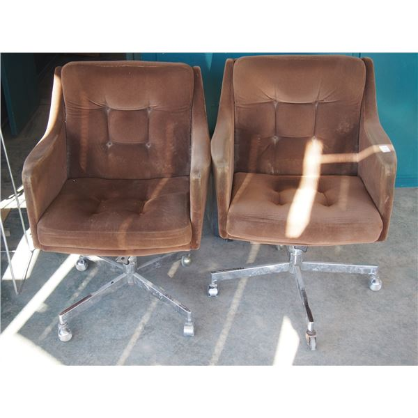 2 Brown Swivel Chairs on Casters