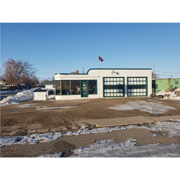UNRESERVED 115 Main Street Marcelin, SK -four lots with an ~2640 sqft. Natural gas heating