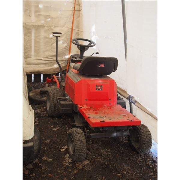 Massey Ferguson 2316H Mower (Working) with Key