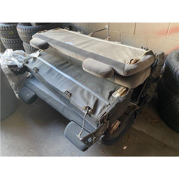 PALLET OF AUTOMOTIVE CAR SEATS