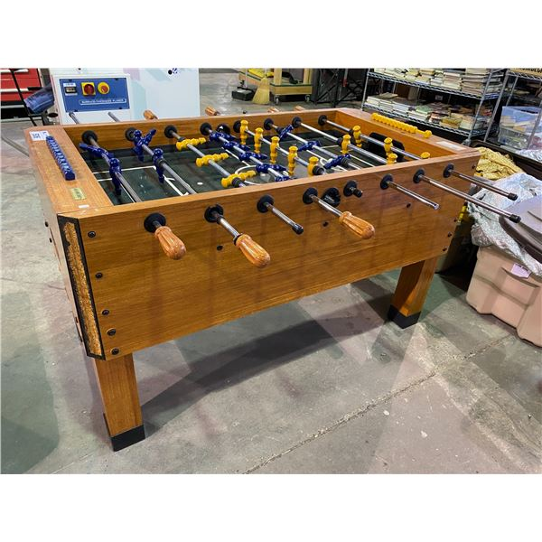 FOOSBALL TABLE WITH BALL