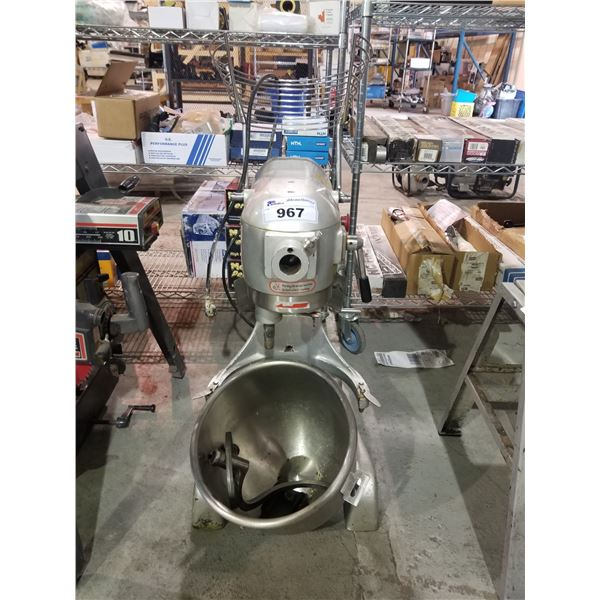 EURODIB COMMERCIAL MIXER & GRINDER M20A (NEEDS POWER SWITCH)