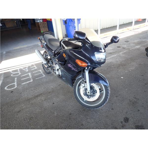 2001 Kawasaki ZX600