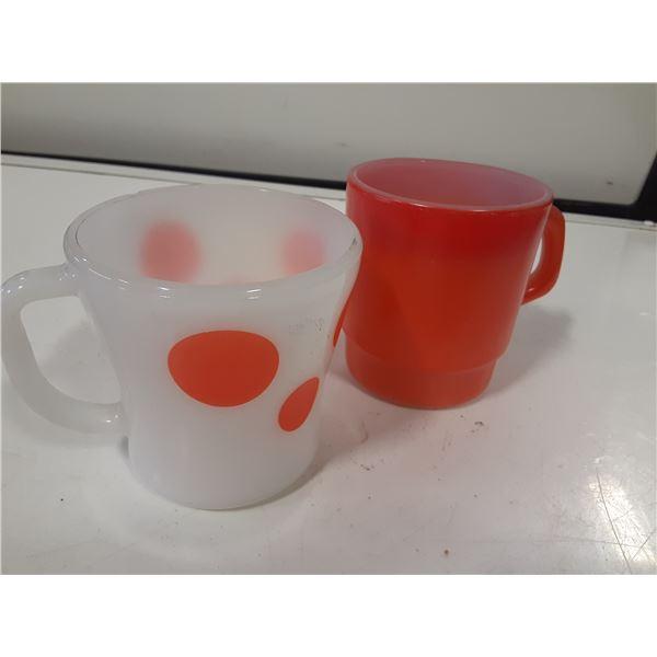 Lot of 2 retro coffee mugs