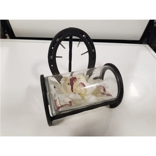 Horseshoe Metal art flower vase holder