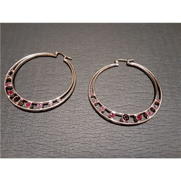 Pair of hoop Earrings