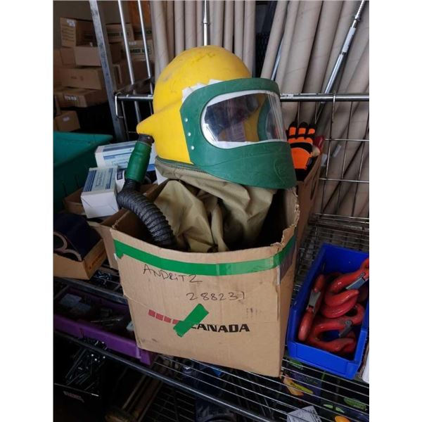 Sandblasting helmet and hose