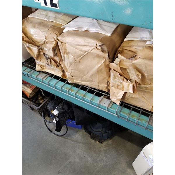 3 PACKAGES OF PAPER BAGS