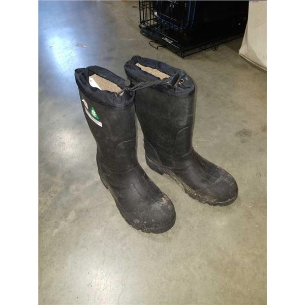 As new size 8 steel-toed work boots