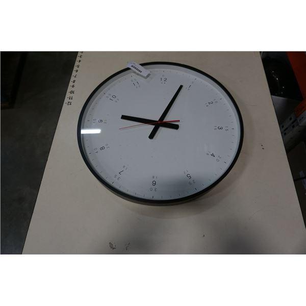 ROUND EQ3 WALL CLOCK