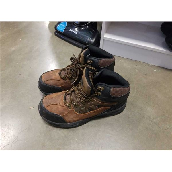 As new workload size 9 Enduro Pro anti-fatigue steel-toed work boots size 9W