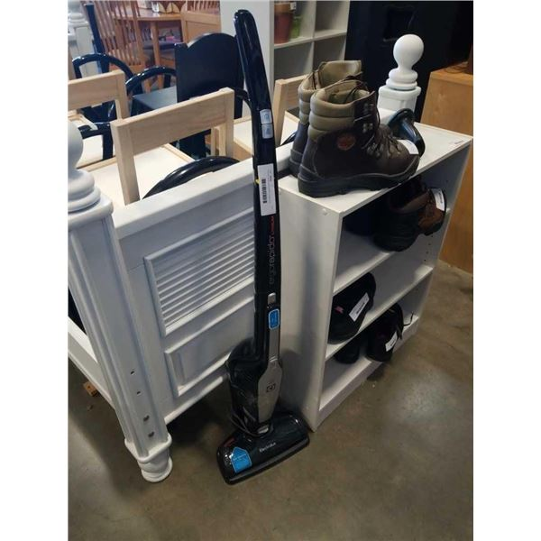 Eurolux rapido vacuum with charge dock