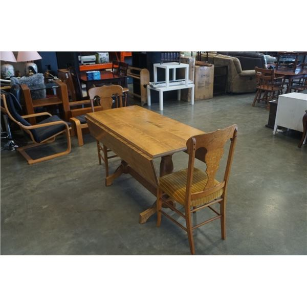 WOOD DROPLEAF DINING TABLE WITH 2 VINTAGE CHAIRS