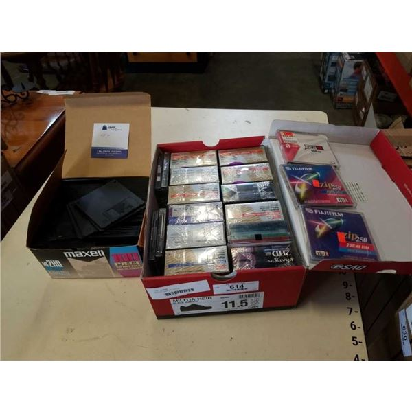 BOX OF NEW ZIP DISCS