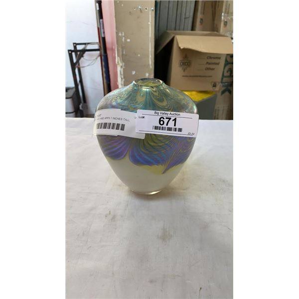 ART GLASS VASE APPX 7 INCHES TALL