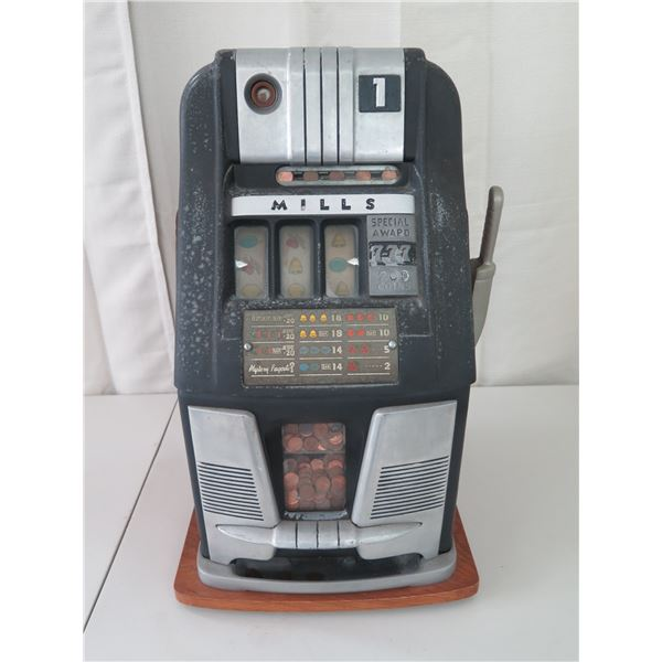 Vintage. 1931 Mills Penny Slot Machine