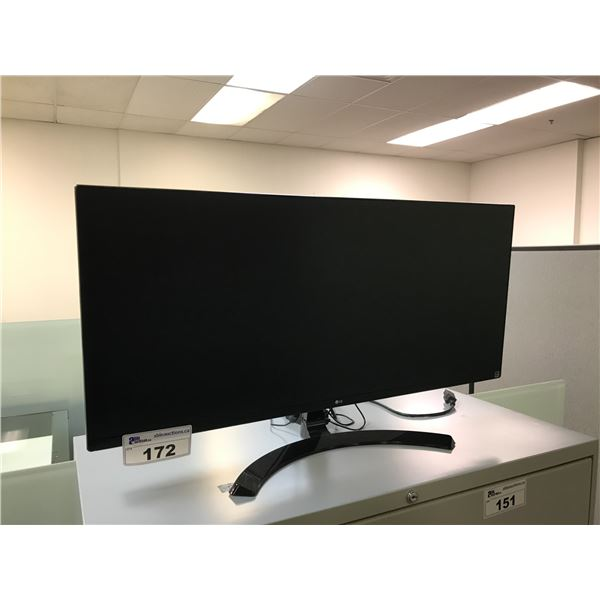 "LG 35"" WIDE SCREEN LCD MONITOR"